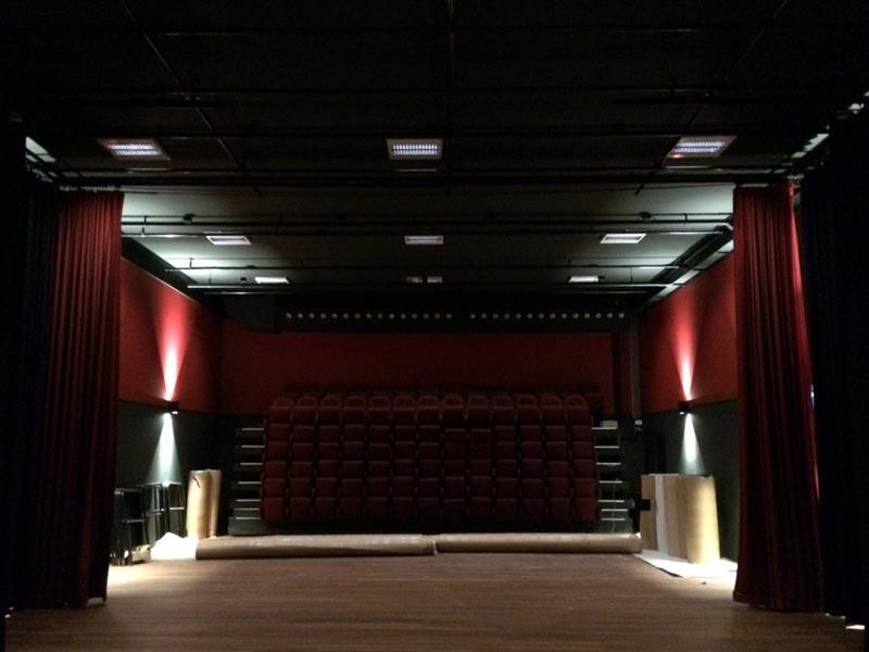 Leeuwensteinhof en theater de Leeuw