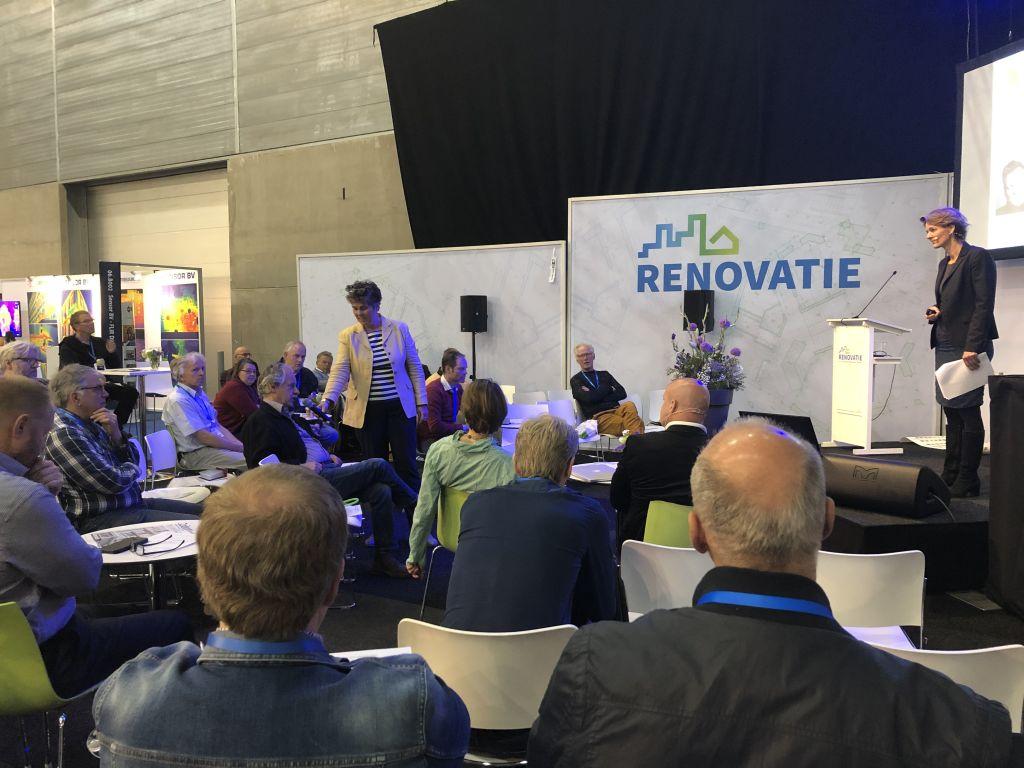 Betaalbaar energieneutraal: DNA met AZEB op de Renovatiebeurs